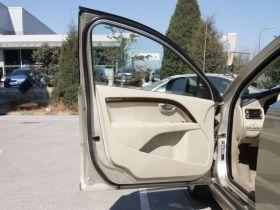 沃尔沃-沃尔沃S80L车厢内饰图片