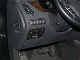 现代-雅科仕中控方向盘图片