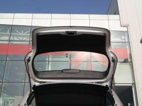 宝马-宝马1系车厢内饰图片