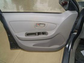 一汽-夏利N5车厢内饰图片