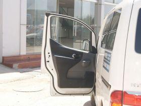 日产-日产NV200车厢内饰图片