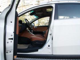 纳智捷-大7 SUV车厢内饰图片