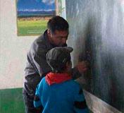 新疆马尔洋小学教师阿力甫夏