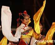 江西:载歌载舞为祖国祝福