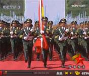 直击国庆升国旗护卫队