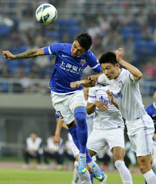 德尼尔森破门 天津泰达1 0上海申鑫