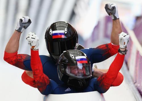 [高清组图]男子四人雪车俄罗斯夺冠 美国摘铜
