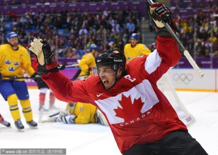 [高清组图]冬奥会男子冰球 加拿大队成功卫冕