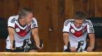 [高清组图]德国队积极备战淘汰赛 众将轻松谈笑