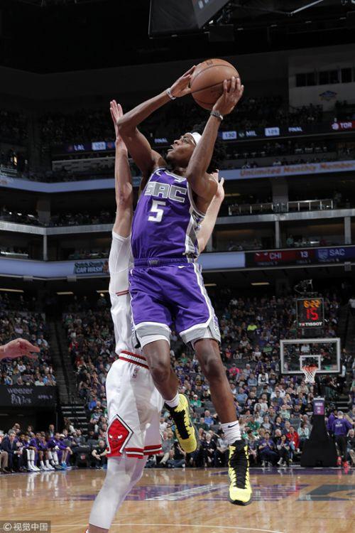 NBA常规赛:公牛102-129国王,榜眼秀21+9拉文18分