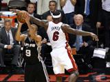 <a href=http://sports.cntv.cn/2013/06/22/VIDE1371873600916522.shtml target=_blank><font color=#a9e2f3>[NBA]总决赛Ⅵ微电影:君子雷关键三分挽救热火</font></a>