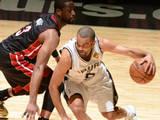 <a href=http://sports.cntv.cn/2014/06/10/VIDE1402401368639995.shtml target=_blank>[NBA最前线]跟着帕克一起回顾12-13赛季总决赛</a>