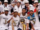 <a href=http://sports.cntv.cn/2014/08/12/VIDE1407848169349796.shtml target=_blank>[NBA最前线]2014赛季总决赛回顾 马刺复仇夺冠</a>