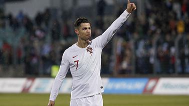 [圖]歐預賽-C羅斬國家隊99球 葡萄牙2-0盧森堡晉級