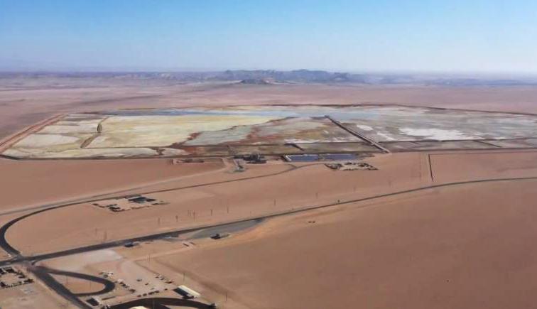 《远方的家》 20200110 一带一路(533)纳米比亚 荒漠之下有宝藏
