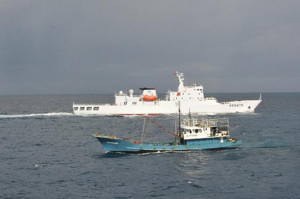 海南赴南沙最大规模渔船船队抵达永暑礁