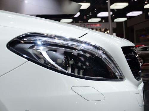 新奔驰B200