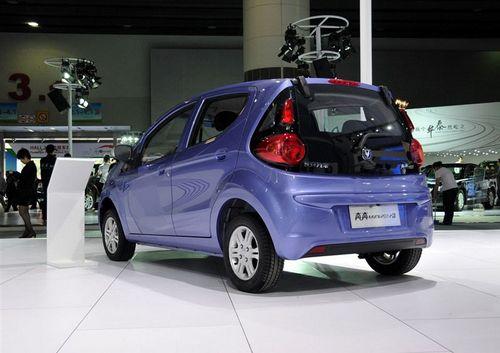 汽车 对比选车                  长安奔奔mini自动挡车型采用的是5前
