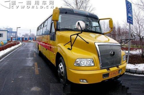 校车每个座位保额不低于30万元