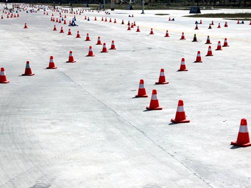 奔驰C级驾驶挑战赛