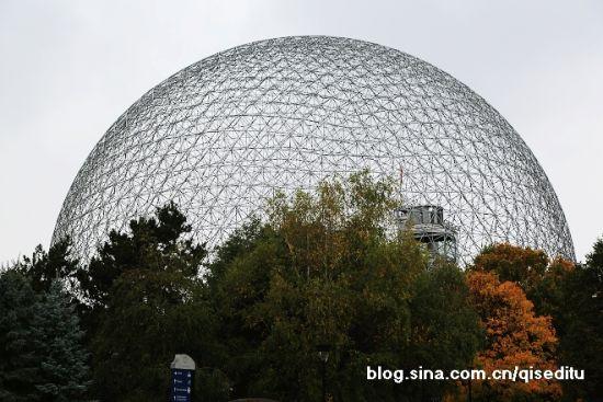 巨大的富勒球