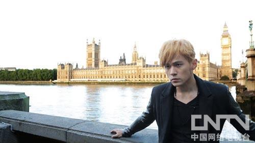 周杰伦黄色头发造型-周杰伦MV尽收伦敦美景 欲与方文山再度入围金曲图片