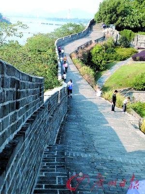 赣州宋城墙。