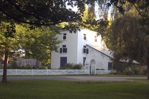 19世纪后期的复折顶式房屋