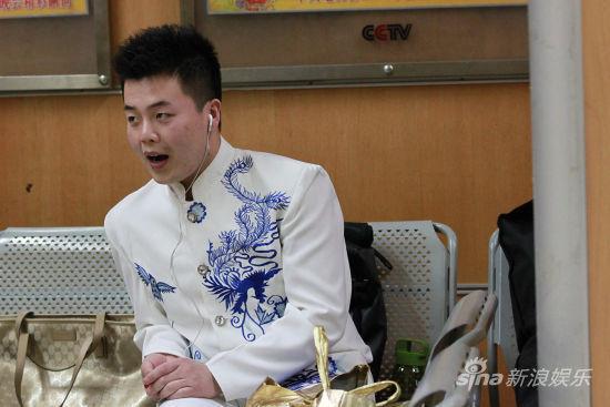 新浪娱乐队民族组晋级选手桑康