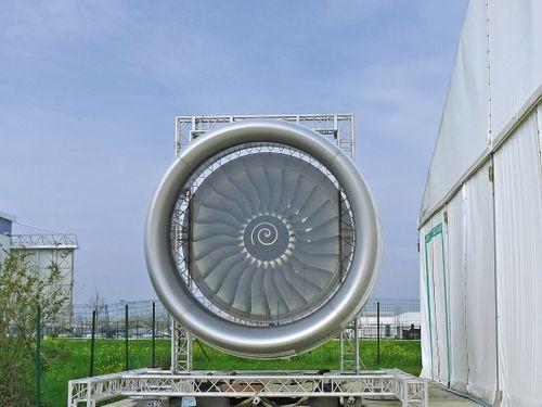 空中客车展览中心里的发动机模型