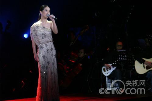 张濛演唱《新不了情》