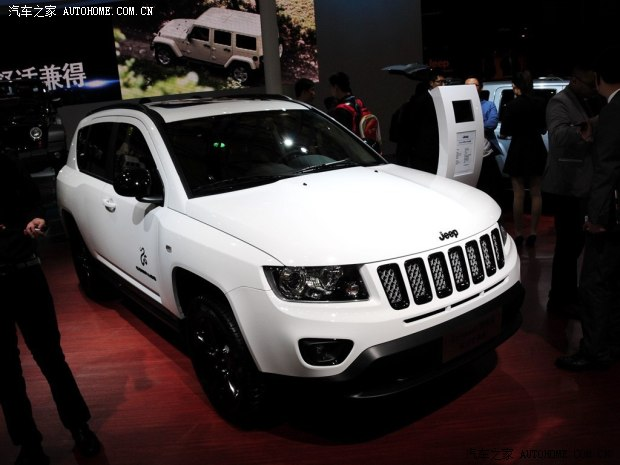 JeepJeep指南者2014款 2.4L 四驱蛇行珍藏版