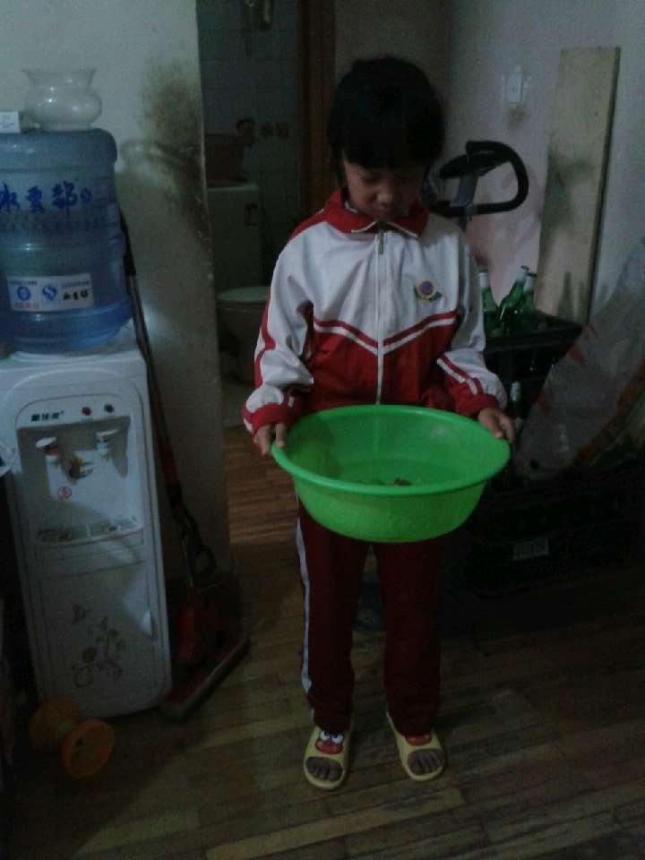 为妈妈准备洗脚水
