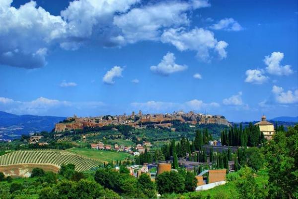 意大利小镇奥维亚托 世界上第一个慢城