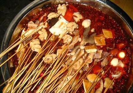 火锅底料中加入罂粟壳,能让食客上瘾