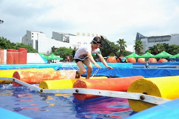 南宁动物园加勒比水世界及桂林乐满地进行6场比赛