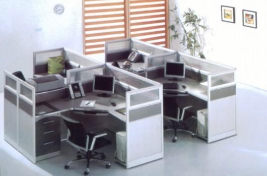 普通办公桌比马桶脏400倍