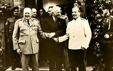 波茨坦会议(左起:杜鲁门 艾德礼 斯大林)