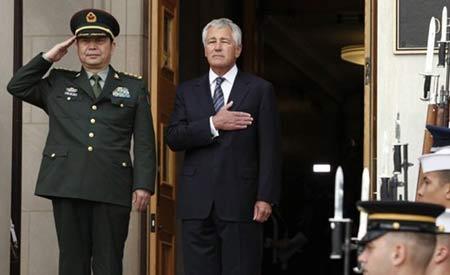 美国国防部长哈格尔举行仪式欢迎中国国防部长常万全到访五角大楼