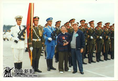 50年国庆摄影师李振羽在阅兵村