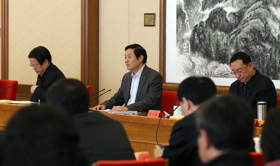11月6日,中共中央政治局委员、中宣部部长刘奇葆在北京出席第五届全国服务农民、服务基层文化建设先进集体表彰会并讲话。 新华社记者刘卫兵 摄