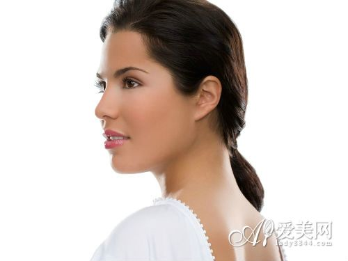 皮肤粗糙暗黄? 饮食调理 搞定10种皮肤问题