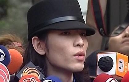 萧敬腾表示会对泼粪案嫌犯提告到底。(图片来自台媒)