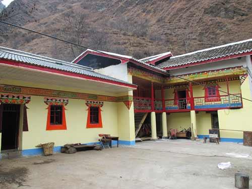 彝族房屋图片手绘