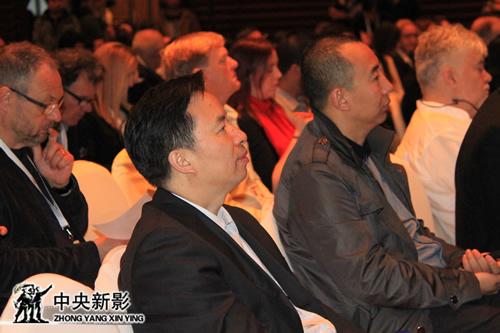 丝瓜成版人性视频app丝瓜成版人性视频app副总裁、总编辑郭本敏参加纪录片大会