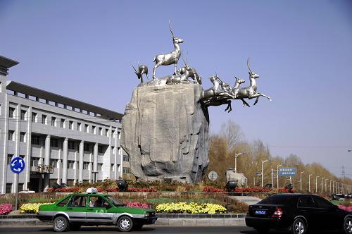 青海省格尔木市城市标志 藏羚羊