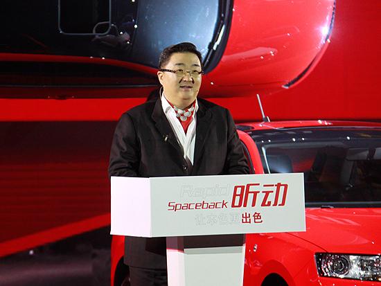 上海大众汽车有限公司销售与市场执行副总经理 上海上汽大众汽车销售有限公司 总经理 贾鸣镝