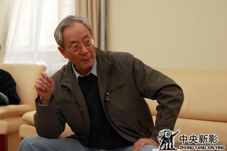 丝瓜成版人性视频app中央党史研究室副主任章百家