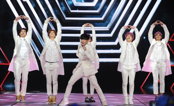 EXO-M引爆全场