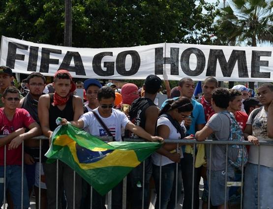 الوضع الأمني يهدد كأس العالم لكرة القدم 2014